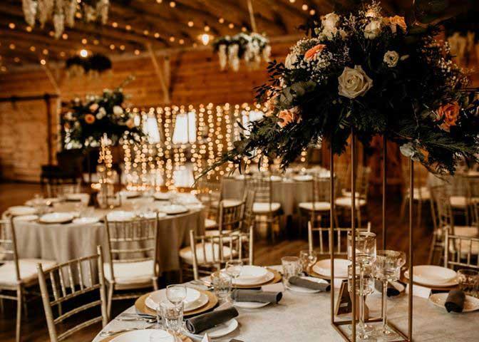 Sala weselna z krzesłami Chiavari| sala-bankietowa-krzesla-chiavari