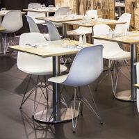 Eleganckie nowoczesne stoliki kawiarniane